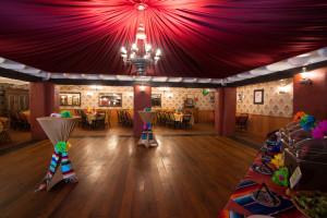 Barra Barra - Serrano Room